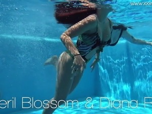 Diana Rius and Sheril Blossom hot lesbians underwater