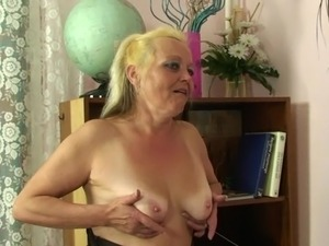 She found out her hubby had cheated surrounding her mature mom