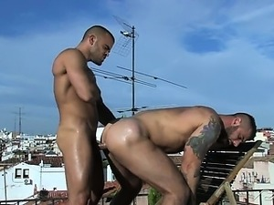 Peeping tom watches muscled hunks Damien and Alex fuck on