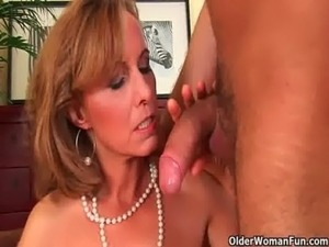 Older lady with hot body gets drilled on the couch free