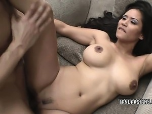 Asian hottie Jessica Bangkok gets her pussy pounded