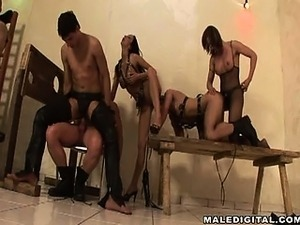 Bisex orgy fucks to exhaustion, 4 guys cum on the 5th's hole