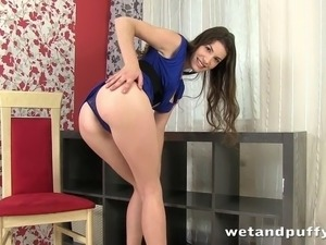 Sexy Zena Little uses a pussy pump and black sex toy on her big pussy lips