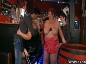 Huge boobs bbw have fun in the bar free