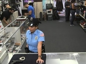 Ms Police Officer pawns pussy and pounded by pawnkeeper