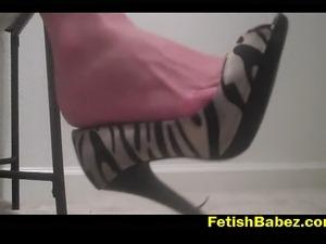 Finaly summer milf sexy flip flop dangling