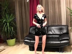 Jenna's striptease