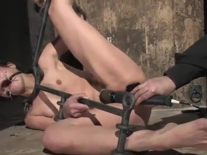 young bondage girl must see