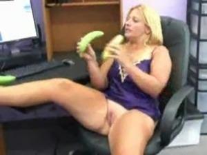 Two Bananas free