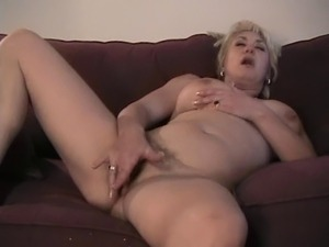 Dana Hayes - Solo on Couch