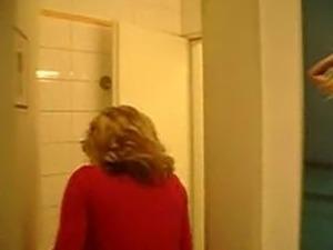 hot blonde shitting toilet video