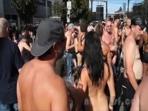 Nude in San Francisco does the Folsom Street Fair 2013 free