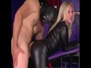 Dominatrix wants a clean pussy and asks sub to lick it free