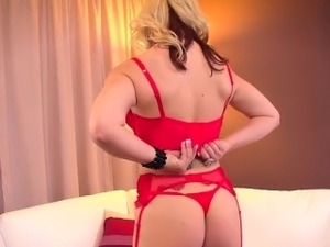Sexy and curvy blond bombshell Sarah Vendella is new to the