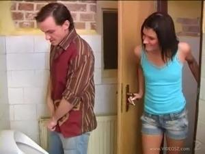 girls toilets vids
