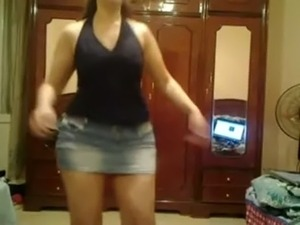 hot young girls dancing