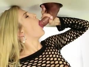 Amanda Tate swings a good handjob