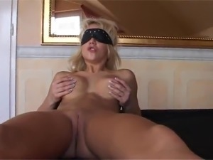 Blonde Has the Nice Cameltoe And the especially Dirty pussy