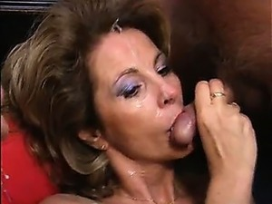 Mature woman fucked and creamed, almost bukkake