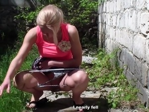 Blonde pets cunny and does Novice blowing fucking inside A street