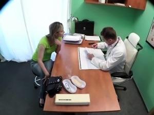 inside pussy doctor