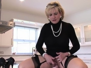 Cheating english mature lady sonia shows her huge hooters