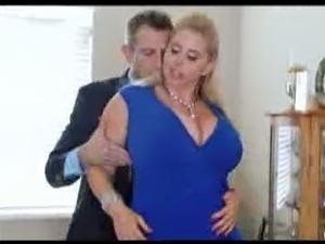 Big tit wifey