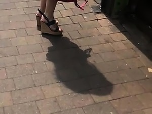 Spectacular English milfs in look to wedges and pumps hones