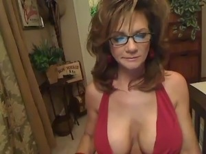 Housewife on the Webcam