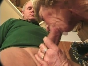 Amateurs forced to deepthroat