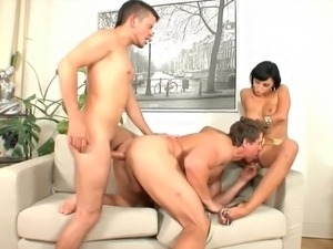 Bisex pleasures, short cuts 77