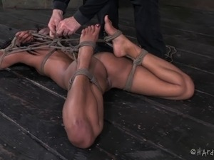 Beautiful chocolate girl captured by the guy who loves bondage action