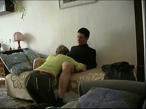 Slutty housewife sucked her man before being poked on the bunk bed