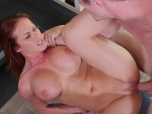 Sporty milf finishes a workout with a good cardio fucking