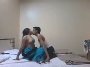 Thirsty desi eats out wet pussy of kinky Indian whore
