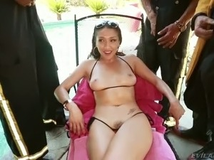 Lucky kinky strangers got sucked by one super sexy Asian slut outdoors