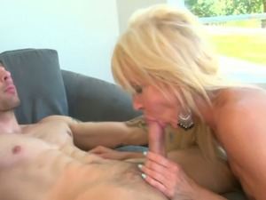 Horny stud analyzes cougar blonde milf