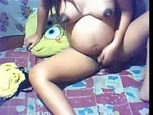 Pregnant Asian webcam chick masturbates with bottle for me