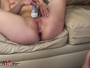 Sasha Swift pleases herself with a sex toy and reveals her oral skills