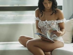 Skinny girl huge tits