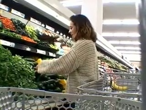 Picking up a sexy housewife in the supermarket for quickie