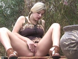 reality outdoor pussy