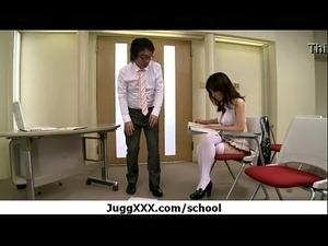 Colegiala japonesa put&oacute_n