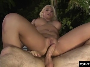 Lusty blonde bint Summer Nite gets her pussy plowed