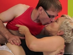 Short-haired granny Ursula blows and gets her pussy pounded