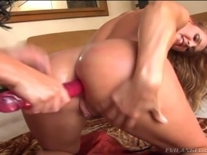 Hot tempered tattooed brunette toys anus of sexy chick Lauren Phoenix tough