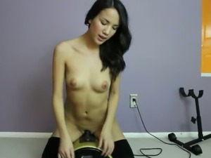 This Sybian machine stretched this hoe's pussy just the way she wanted