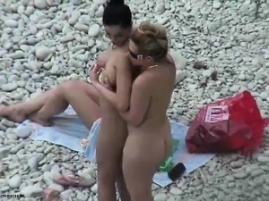 Voyeur Movie Of Lesbian Babes Rubbing on Their Systems that
