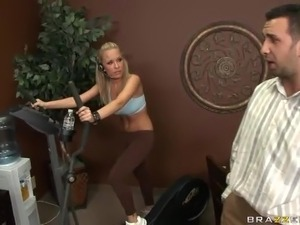 Hardcore Anal Sex and Creampie for the Big Ass Blonde Jessica Moore