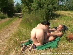 Amateur outdoor sex videos